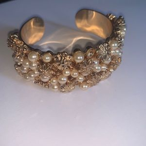 Gold Rose and Pearl covers Bracelet- Small